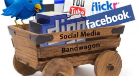 What are the Advantages of Social Media