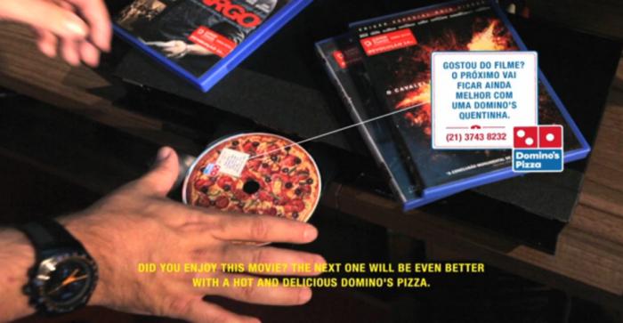 Film-DVD-transformé-en-Pizza-Dominos2