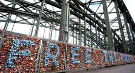 1歐元解開1個密碼鎖,1個鎖象徵救1人:德國聯合國聯盟的創意募款活動-Free The Forced