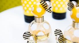 以瓶身特色傳蜂蜜香-marc jacobs 的香水瓶設計