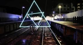 日本艺术家新视觉作品!几何符号在城市间跳动!