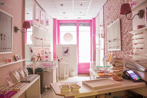 boutique-secret-velvet-bordeaux-4