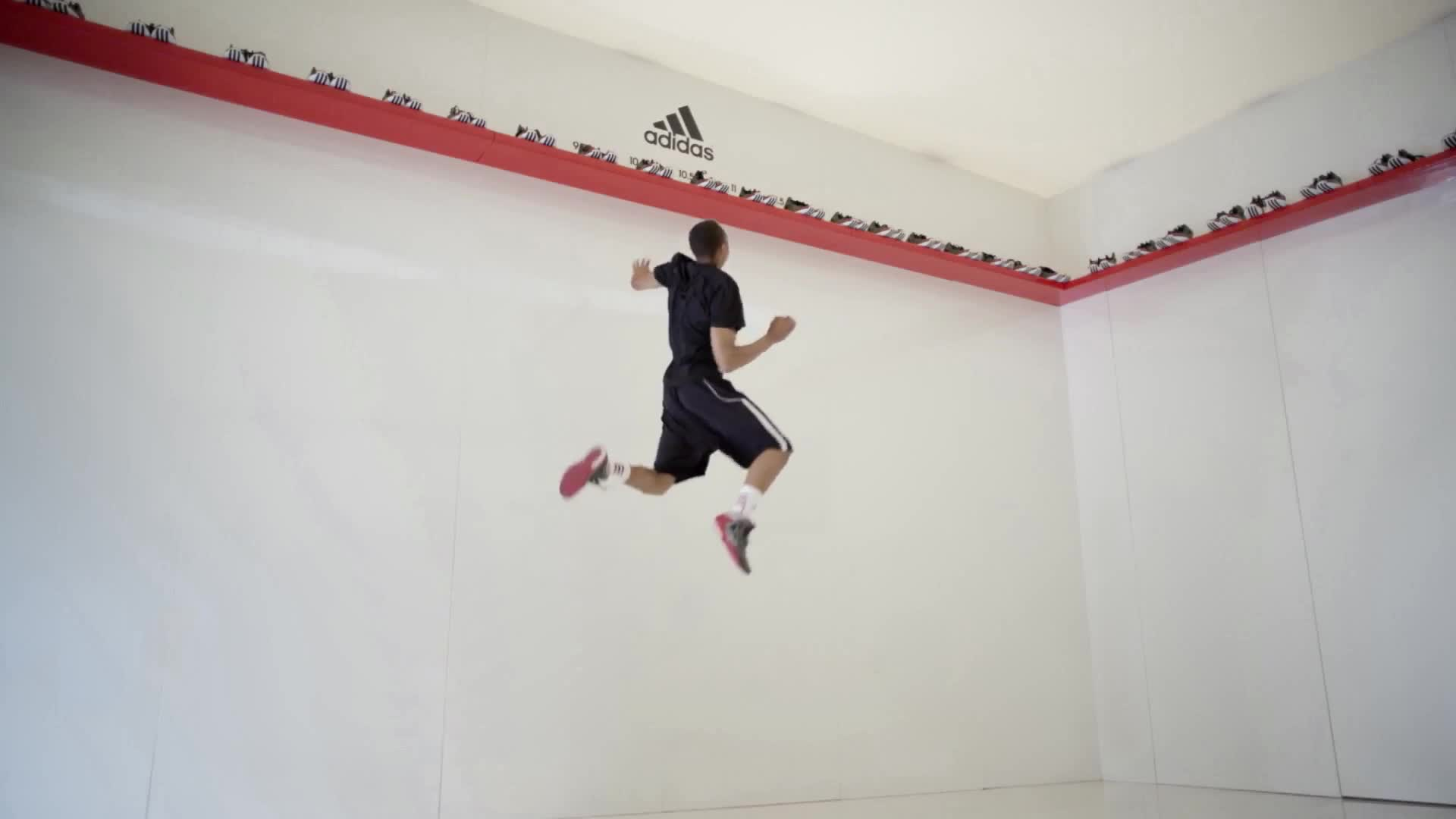 adidas-basketball-apparel-jump-with-derrick-rose-in-london-600-38057