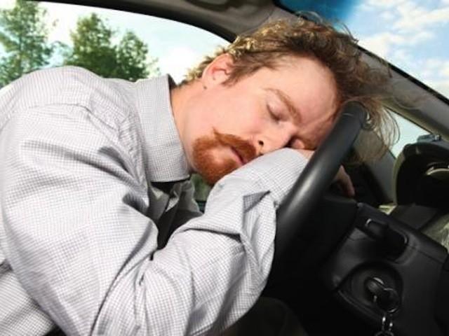 car-sleeping-wheel