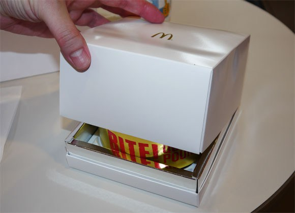 we-try-the-10-quarter-pounder-gold-ring-burger-at-mcdonald_s-japan41