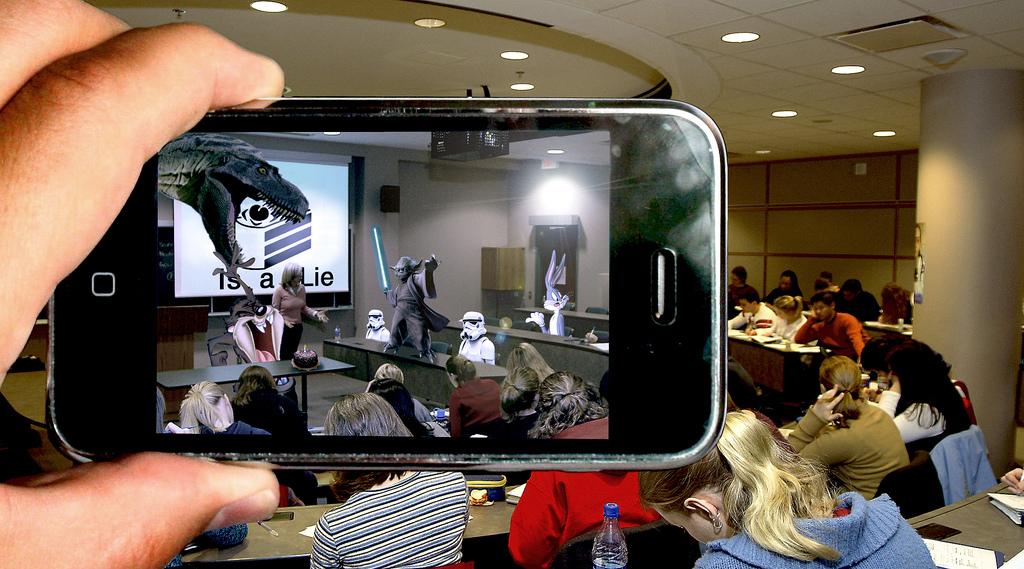 虛擬實境新突破!AR擴增實境和Kinect體感偵測四大應用例子!