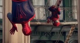 Evian 最新廣告萌翻天!!蜘蛛人和他的小BABY現身紐約街頭!!