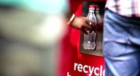 资源回收还能有什么新花样?!可口可乐让你乐在其中!