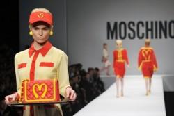 moschino-mcdonalds-fashion-show-600x400