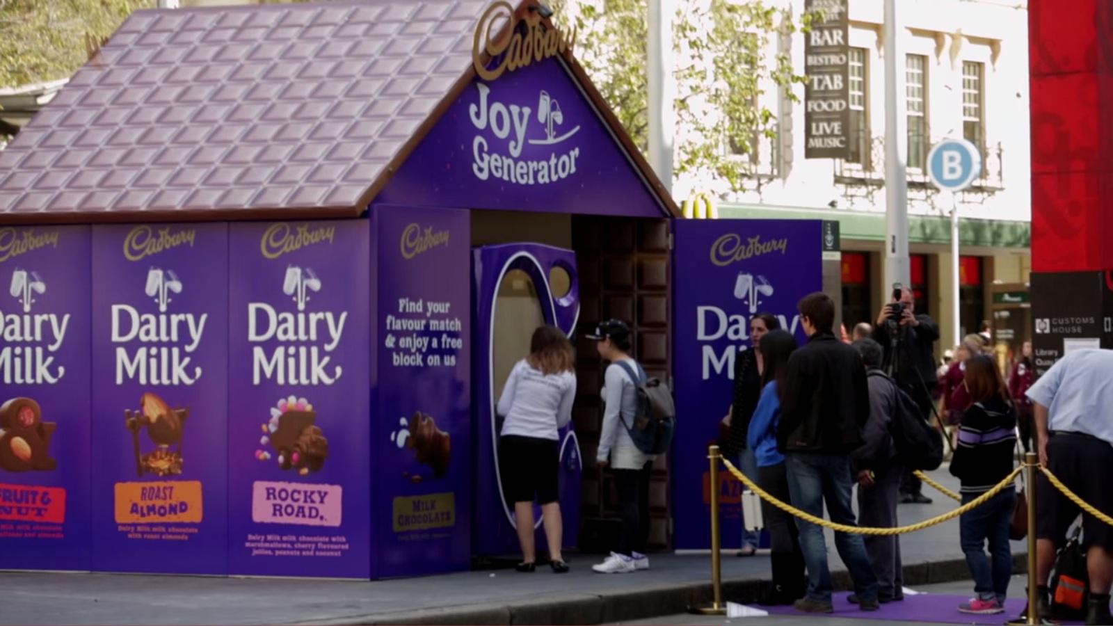 [吉百利街頭神奇糖果屋] 手指滑幾下便知什麼口味的巧克力最對你胃!?難道是…