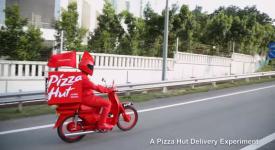 Pizza Hut,Hot到家~透過創意外送烤箱,烤好就剛好到你家!?太神奇啦~
