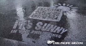 雨天才有宣传效果!?宿雾太平洋航空的防水QR Code奇招,激励你优惠游菲律宾!