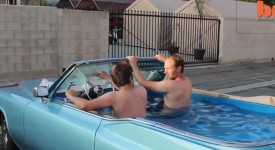 史上第一台行動游泳池,從此開車再也不怕熱!!