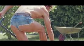 英國研究指出,男性穿的褲子越短,獲得的關注反而比女性還多!?