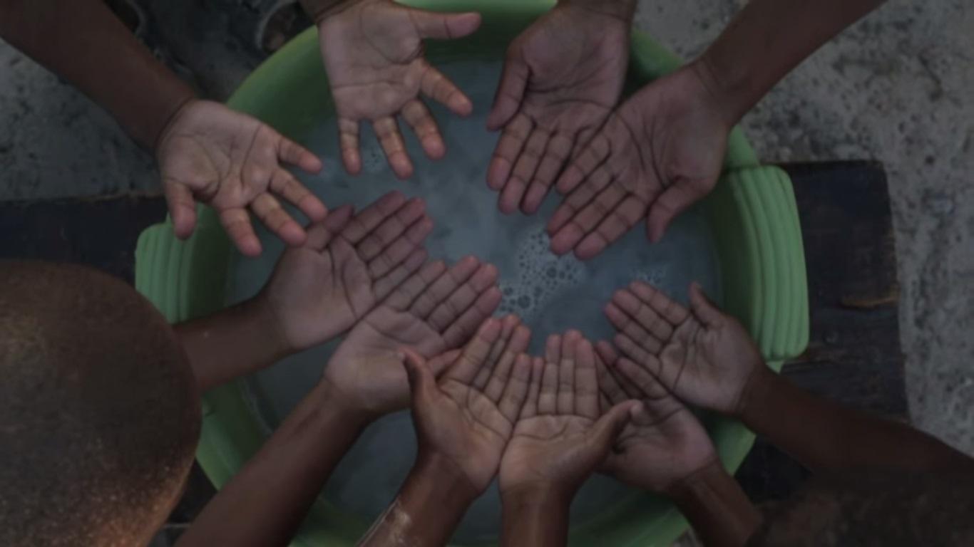 幼儿洗手涂肥皂步骤分解图片