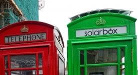 """伦敦招牌电话亭""""脸都绿了""""?!! """"solarbox""""以免费充电概念所推出的电话亭"""