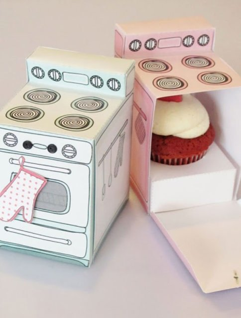 Printable-Retro-Cupcake-Boxes-484x640