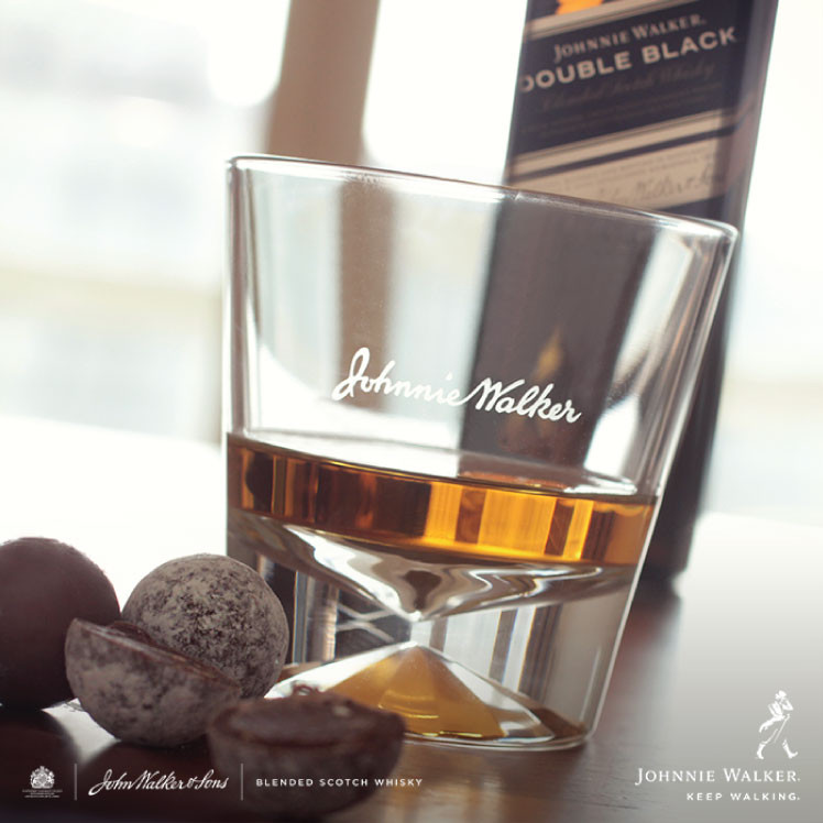 Johnnie Walker-new-logo (1)
