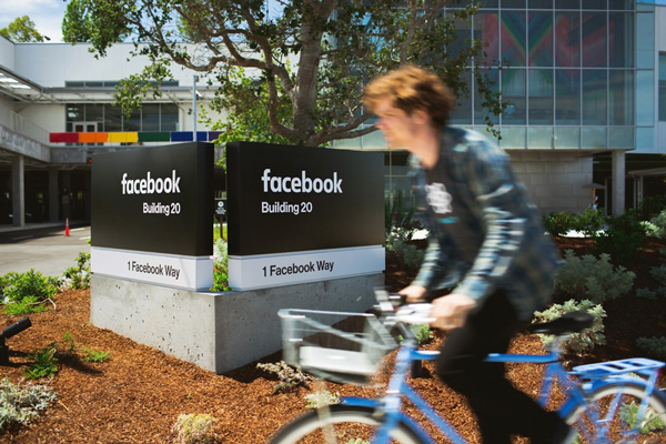 facebook_2015-new-logo_signage
