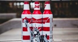 跟百威學「愛國」行銷,乾脆直接把瓶身改成「美國」比較快!