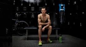 關於「不信極限」,Nike還請來了奧運首位「跨性別選手」