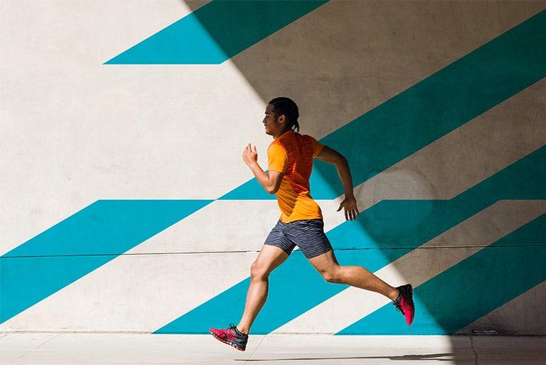 全球专业运动品牌 亚瑟士(ASICS)品牌形象再造,品牌定位更加年轻化