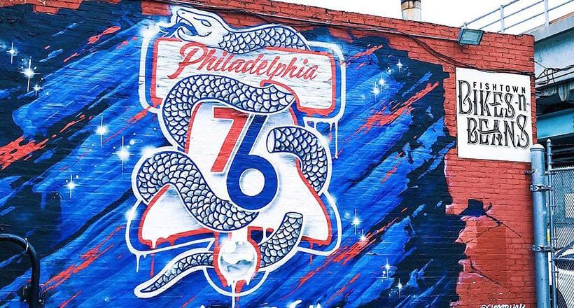 """费城76人主场换了个""""断蛇""""标志,这背后可有不少故事"""