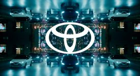 TOYOTA豐田汽車在歐洲推出新LOGO,包括新的品牌色和訂製字體
