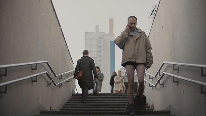 三星手机创意广告脱裤子的世界