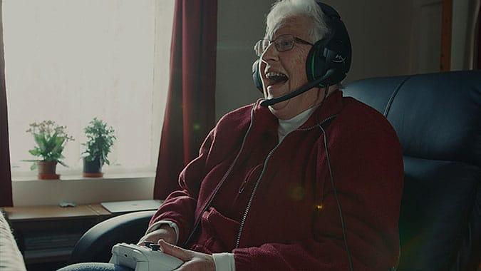 微軟xBox營銷活動與老人一起玩遊戲