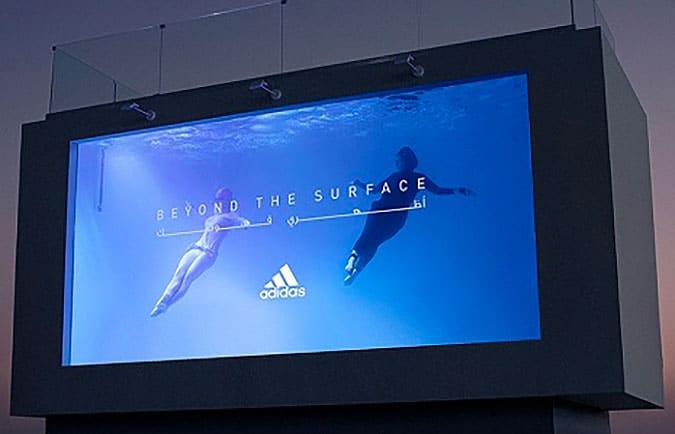 阿迪達斯創意戶外泳池廣告牌
